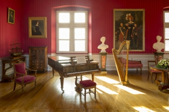 royal-music-room-France-Chateaux-Amboise