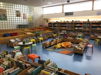 library_poitiers_france_children
